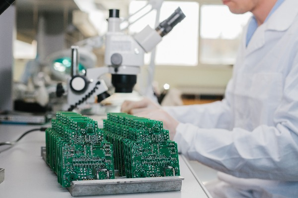Electronic Printed Circuit Board Cleaner